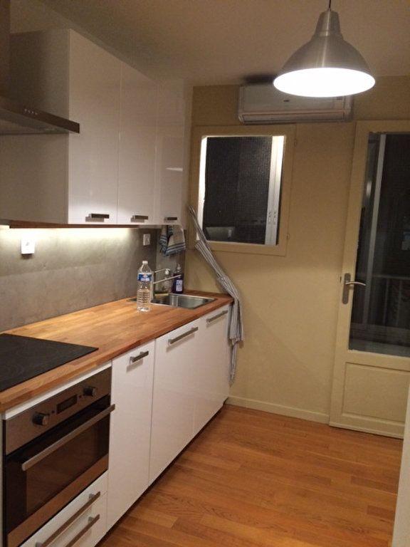 Appartement à louer 3 80m2 à La Seyne-sur-Mer vignette-2