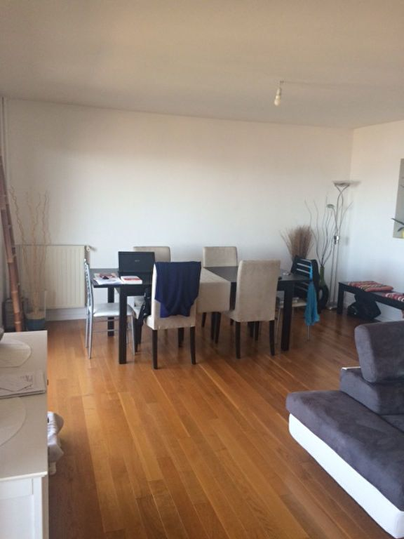 Appartement à louer 3 80m2 à La Seyne-sur-Mer vignette-3