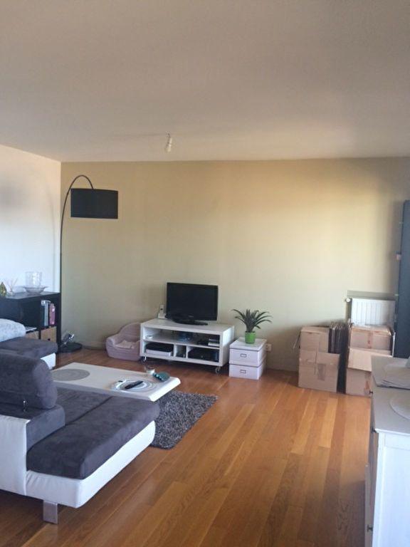 Appartement à louer 3 80m2 à La Seyne-sur-Mer vignette-4