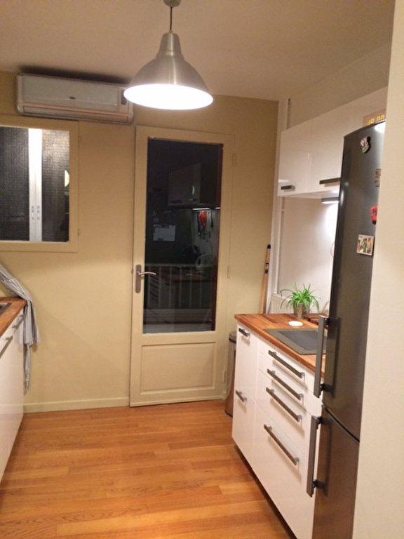 Appartement à louer 3 80m2 à La Seyne-sur-Mer vignette-5
