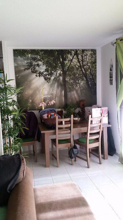Appartement à louer 2 44m2 à La Seyne-sur-Mer vignette-3