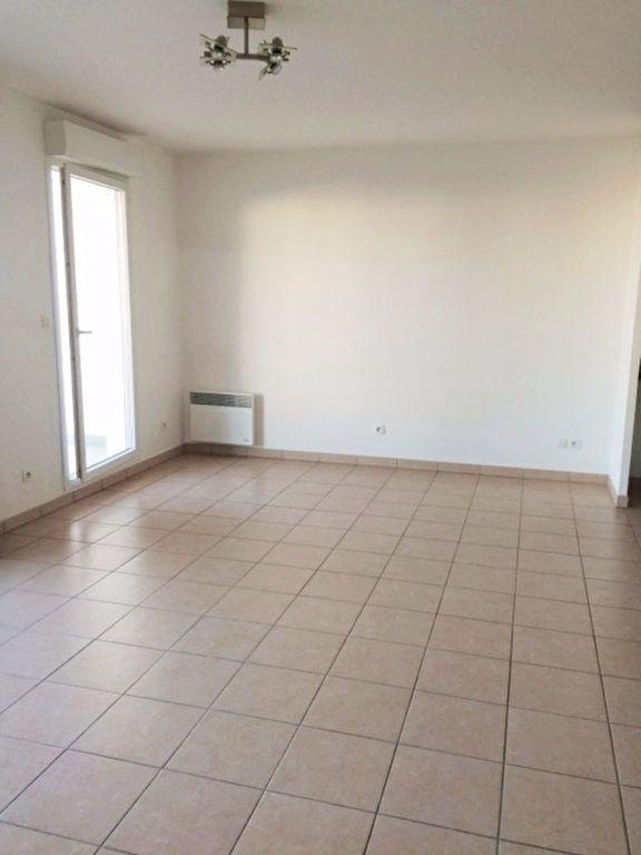 Appartement à louer 2 52m2 à La Seyne-sur-Mer vignette-2