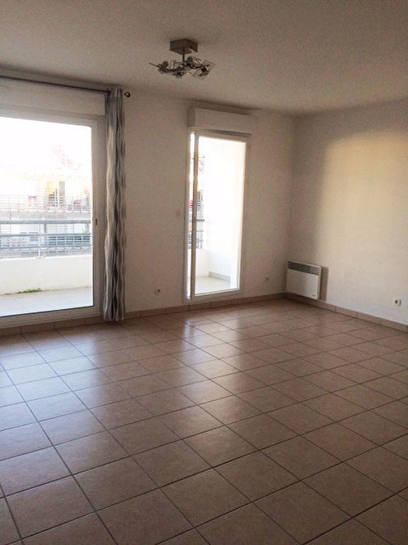 Appartement à louer 2 52m2 à La Seyne-sur-Mer vignette-3