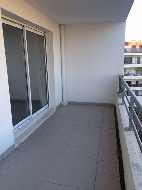 Appartement à louer 2 52m2 à La Seyne-sur-Mer vignette-4