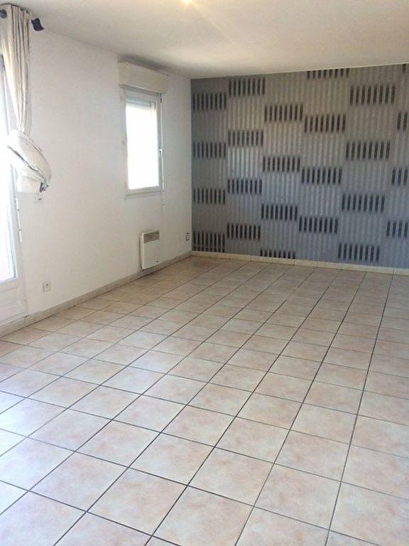 Appartement à louer 2 49.1m2 à La Seyne-sur-Mer vignette-2