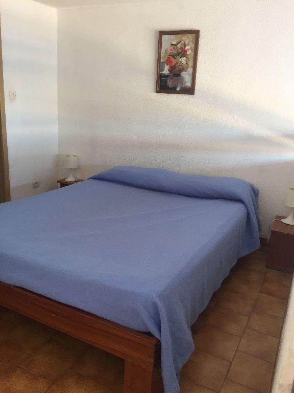 Appartement à louer 2 27m2 à Saint-Mandrier-sur-Mer vignette-3