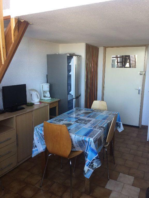 Appartement à louer 2 27m2 à Saint-Mandrier-sur-Mer vignette-4