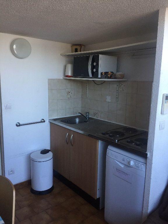 Appartement à louer 2 27m2 à Saint-Mandrier-sur-Mer vignette-5