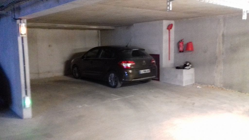 Stationnement à vendre 0 15m2 à La Seyne-sur-Mer vignette-1