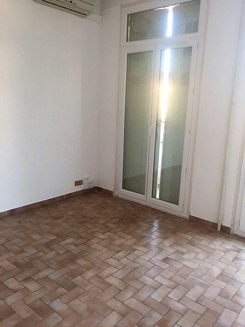 Appartement à louer 2 41m2 à Toulon vignette-5