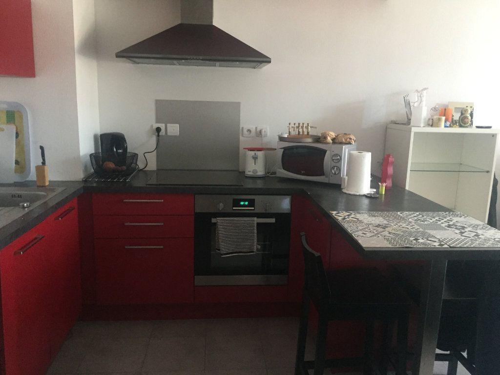 Appartement à louer 2 37.92m2 à Toulon vignette-2
