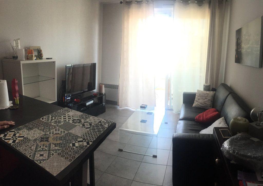 Appartement à louer 2 37.92m2 à Toulon vignette-3