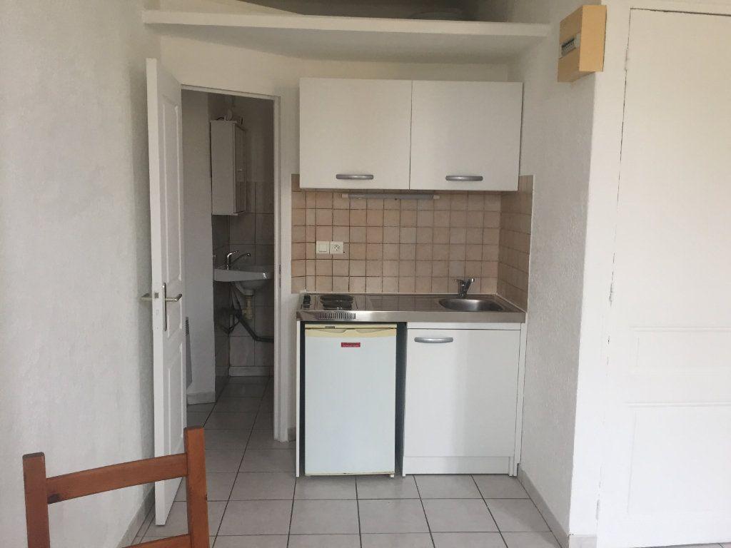 Appartement à louer 1 18.97m2 à La Seyne-sur-Mer vignette-4