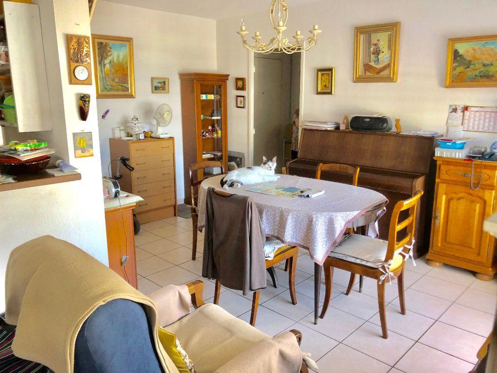 Appartement à vendre 2 41m2 à La Seyne-sur-Mer vignette-1