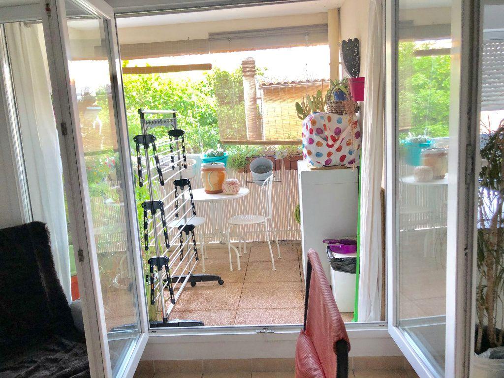 Appartement à vendre 2 41m2 à La Seyne-sur-Mer vignette-4