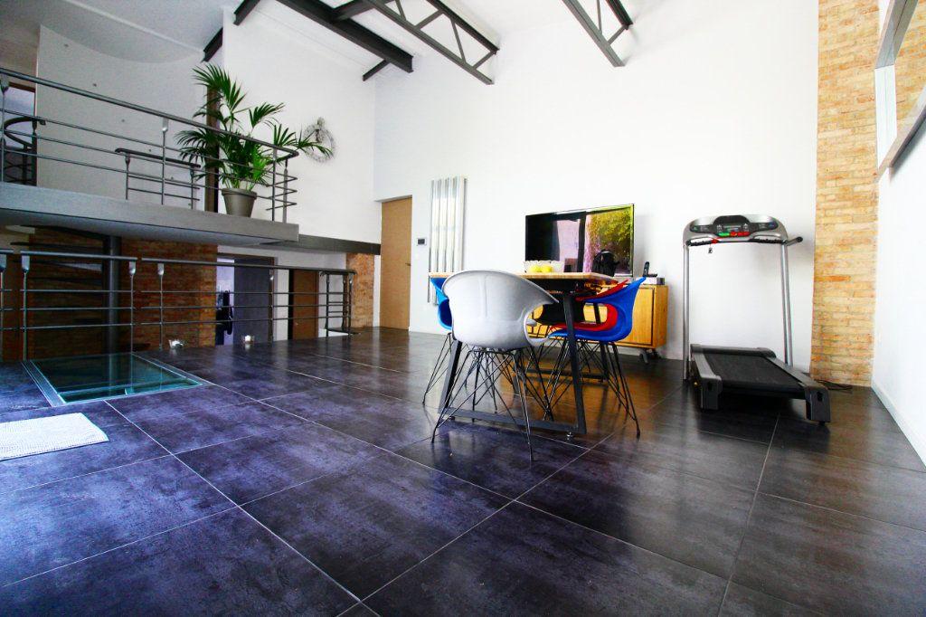 Appartement à vendre 5 132m2 à Toulon vignette-1