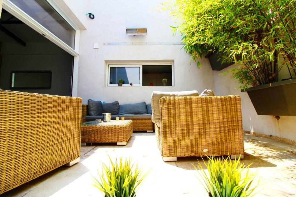 Appartement à vendre 5 132m2 à Toulon vignette-2
