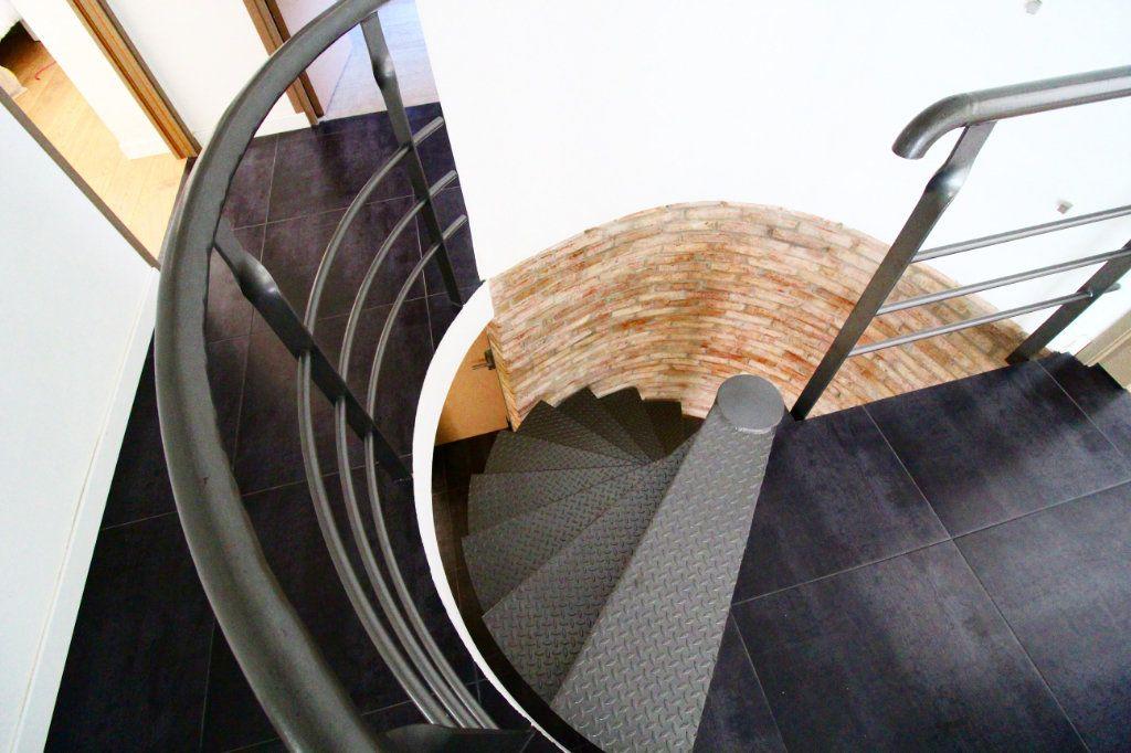 Appartement à vendre 5 132m2 à Toulon vignette-5