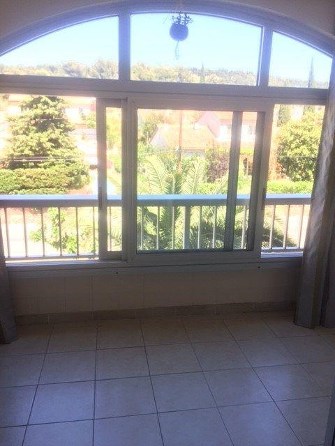 Appartement à louer 1 20m2 à Saint-Mandrier-sur-Mer vignette-4