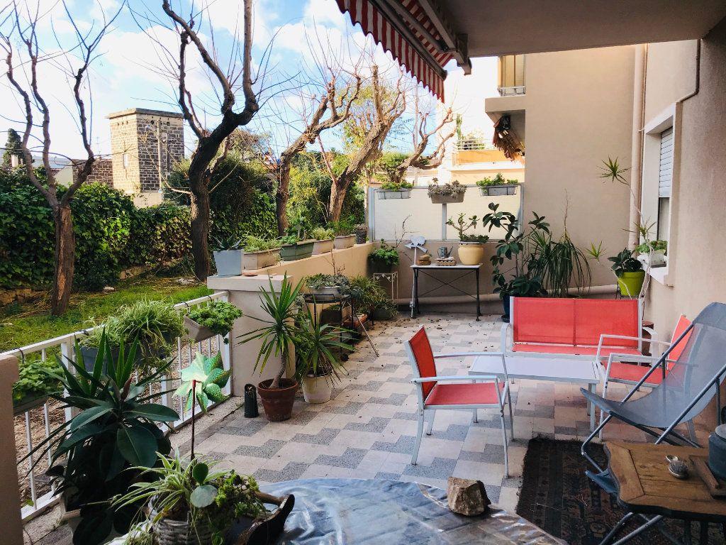 Appartement à vendre 3 63m2 à La Seyne-sur-Mer vignette-1