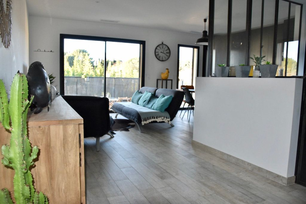 Appartement à vendre 3 80m2 à Sanary-sur-Mer vignette-2