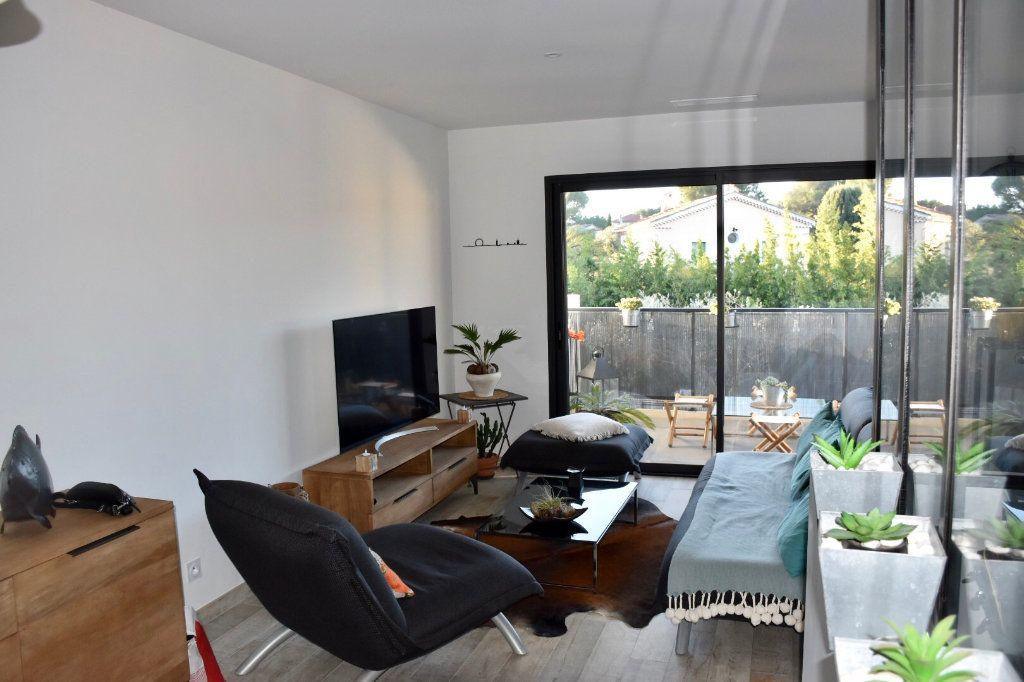 Appartement à vendre 3 80m2 à Sanary-sur-Mer vignette-3