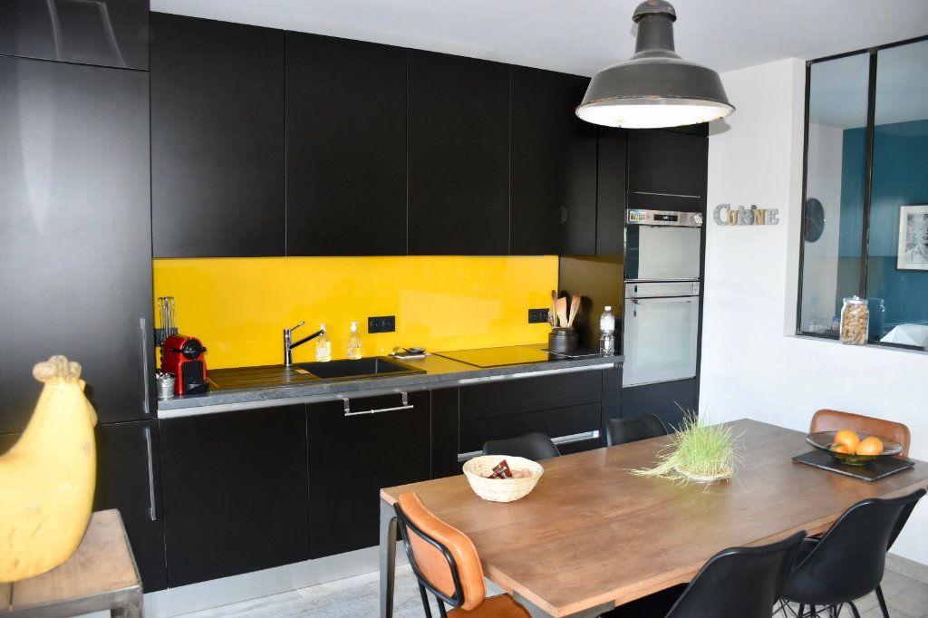 Appartement à vendre 3 80m2 à Sanary-sur-Mer vignette-4