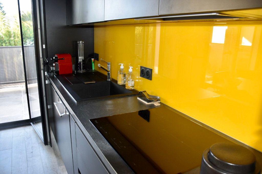 Appartement à vendre 3 80m2 à Sanary-sur-Mer vignette-5