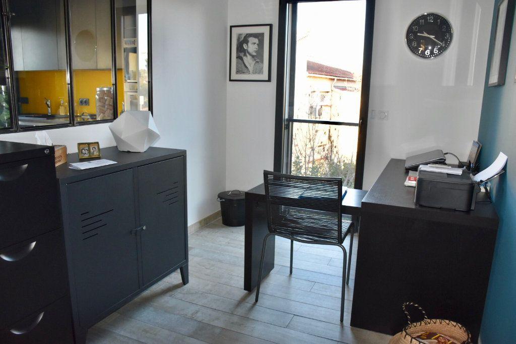 Appartement à vendre 3 80m2 à Sanary-sur-Mer vignette-6