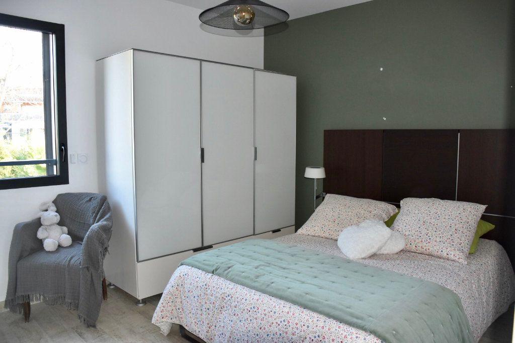 Appartement à vendre 3 80m2 à Sanary-sur-Mer vignette-7