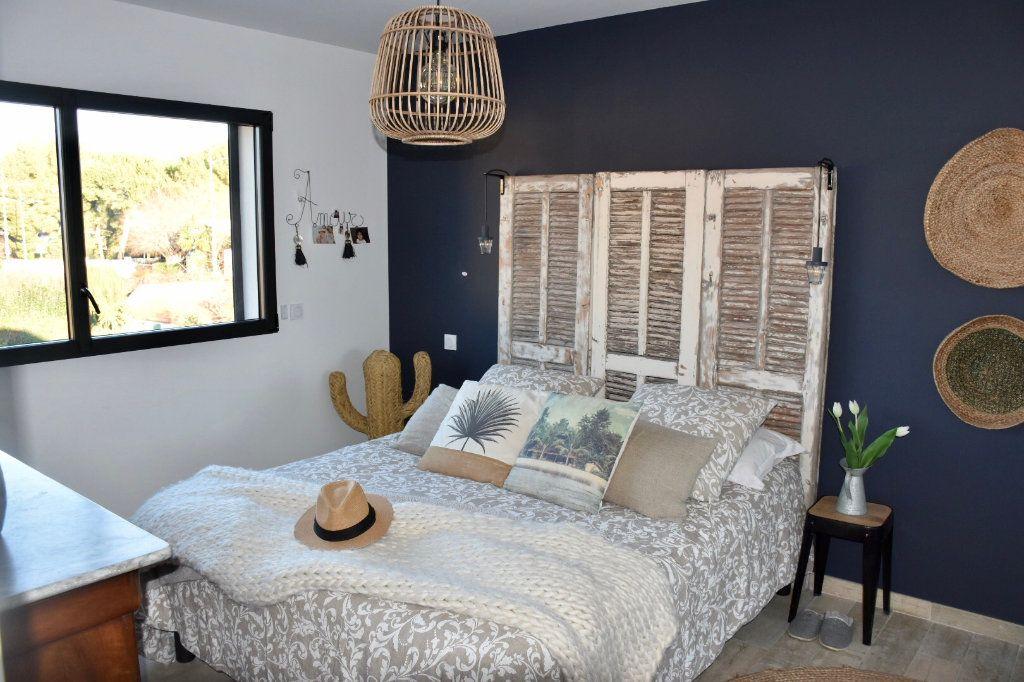 Appartement à vendre 3 80m2 à Sanary-sur-Mer vignette-8