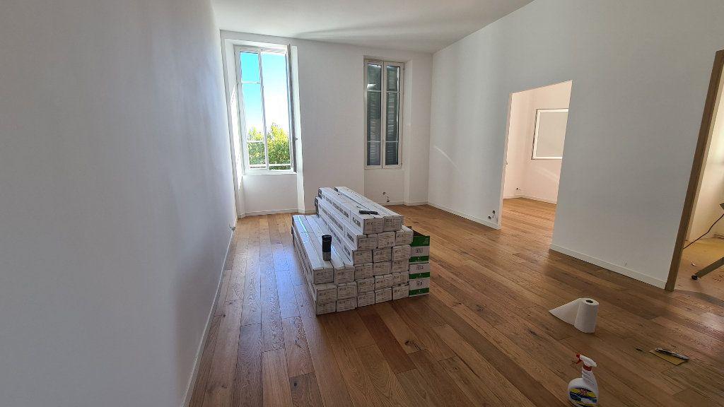 Appartement à vendre 5 87.6m2 à La Seyne-sur-Mer vignette-3