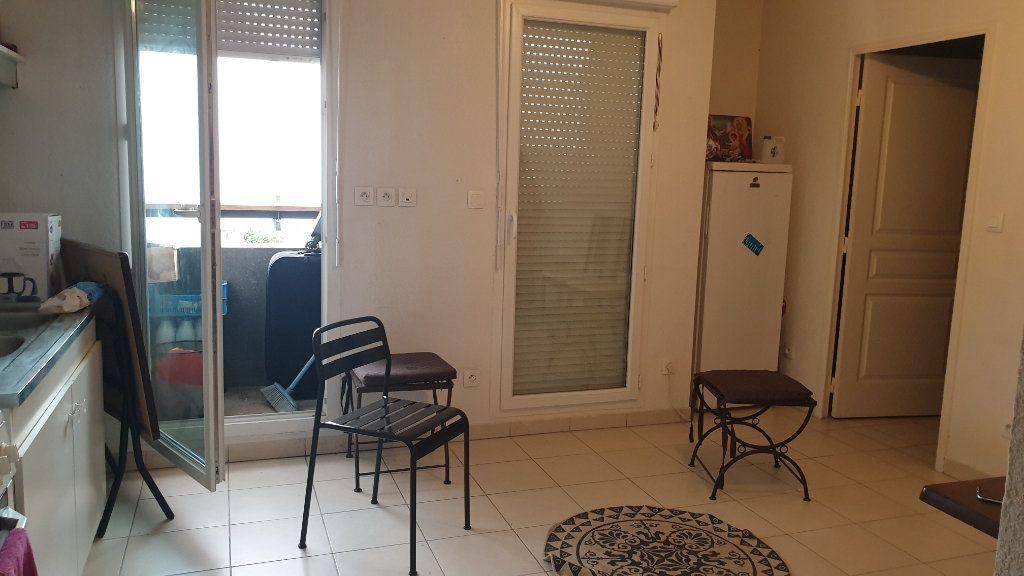 Appartement à vendre 2 35m2 à La Seyne-sur-Mer vignette-1