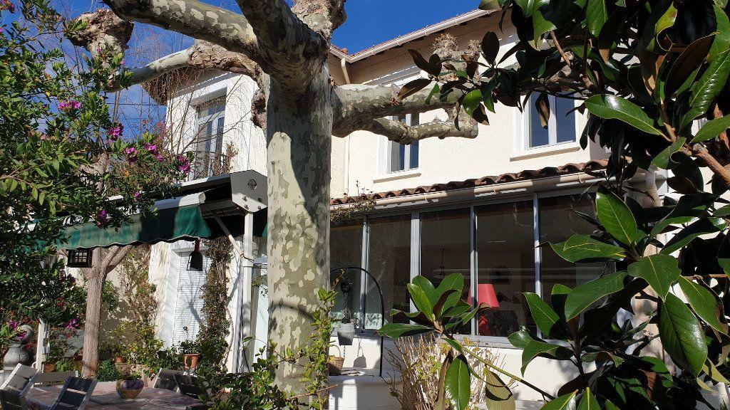 Maison à vendre 7 223m2 à La Seyne-sur-Mer vignette-1