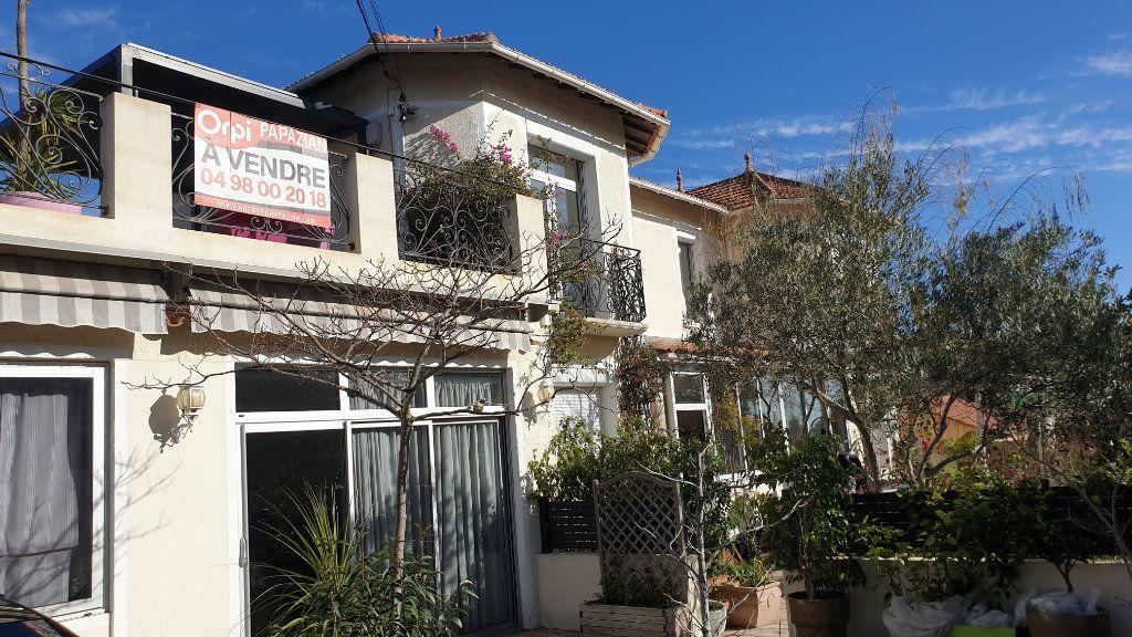Maison à vendre 7 223m2 à La Seyne-sur-Mer vignette-2