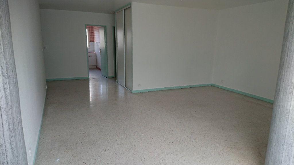 Appartement à vendre 2 58m2 à La Seyne-sur-Mer vignette-1