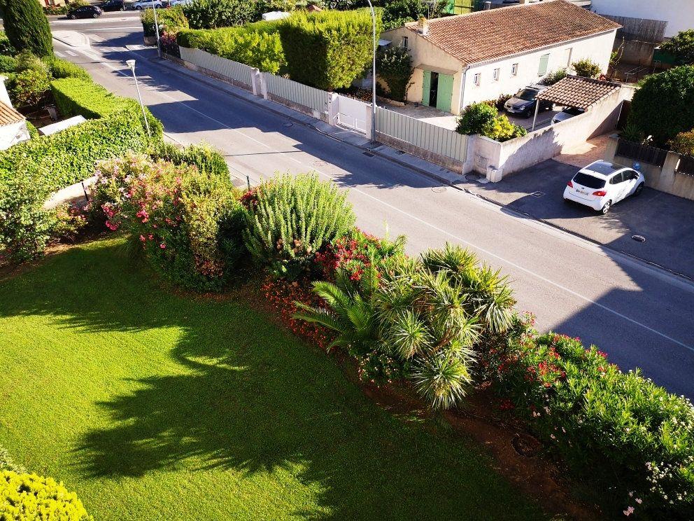 Appartement à vendre 2 52m2 à Sanary-sur-Mer vignette-1