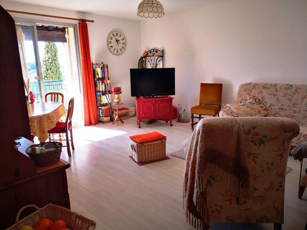 Appartement à vendre 2 52m2 à Sanary-sur-Mer vignette-2