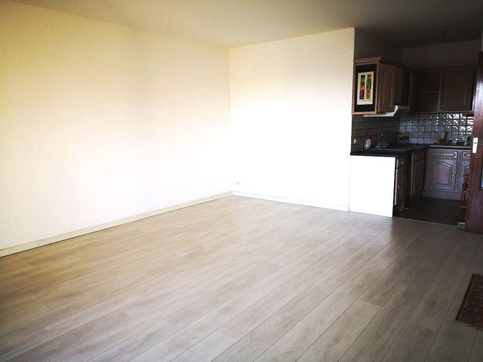Appartement à vendre 2 52m2 à Sanary-sur-Mer vignette-3