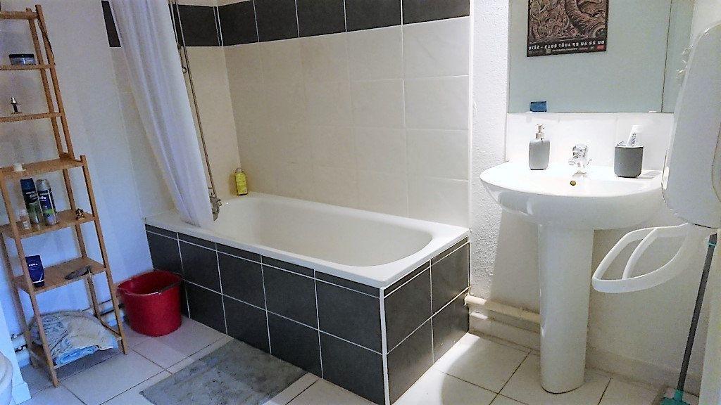 Appartement à vendre 2 44m2 à La Seyne-sur-Mer vignette-5