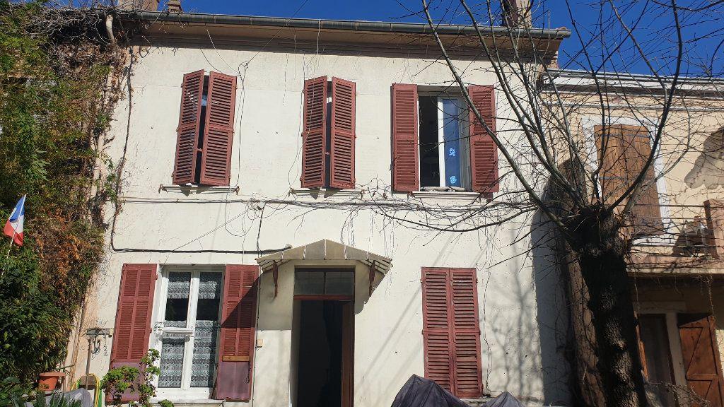 Appartement à vendre 2 36m2 à La Seyne-sur-Mer vignette-1