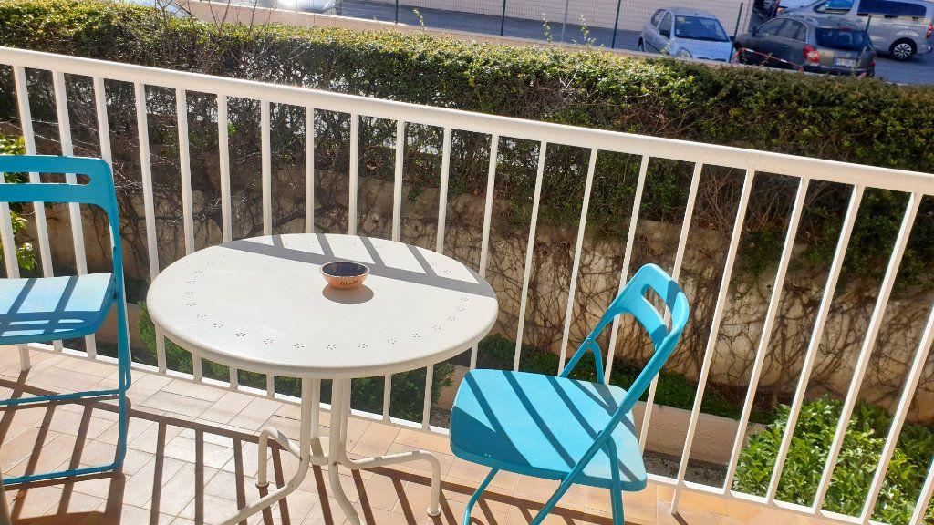 Appartement à vendre 5 95m2 à La Seyne-sur-Mer vignette-3