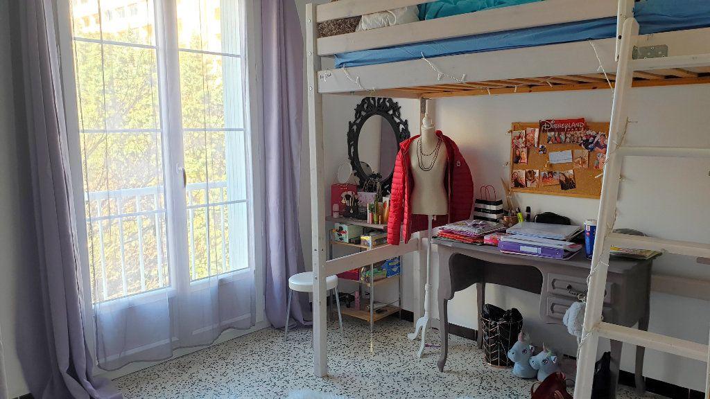 Appartement à vendre 5 95m2 à La Seyne-sur-Mer vignette-4