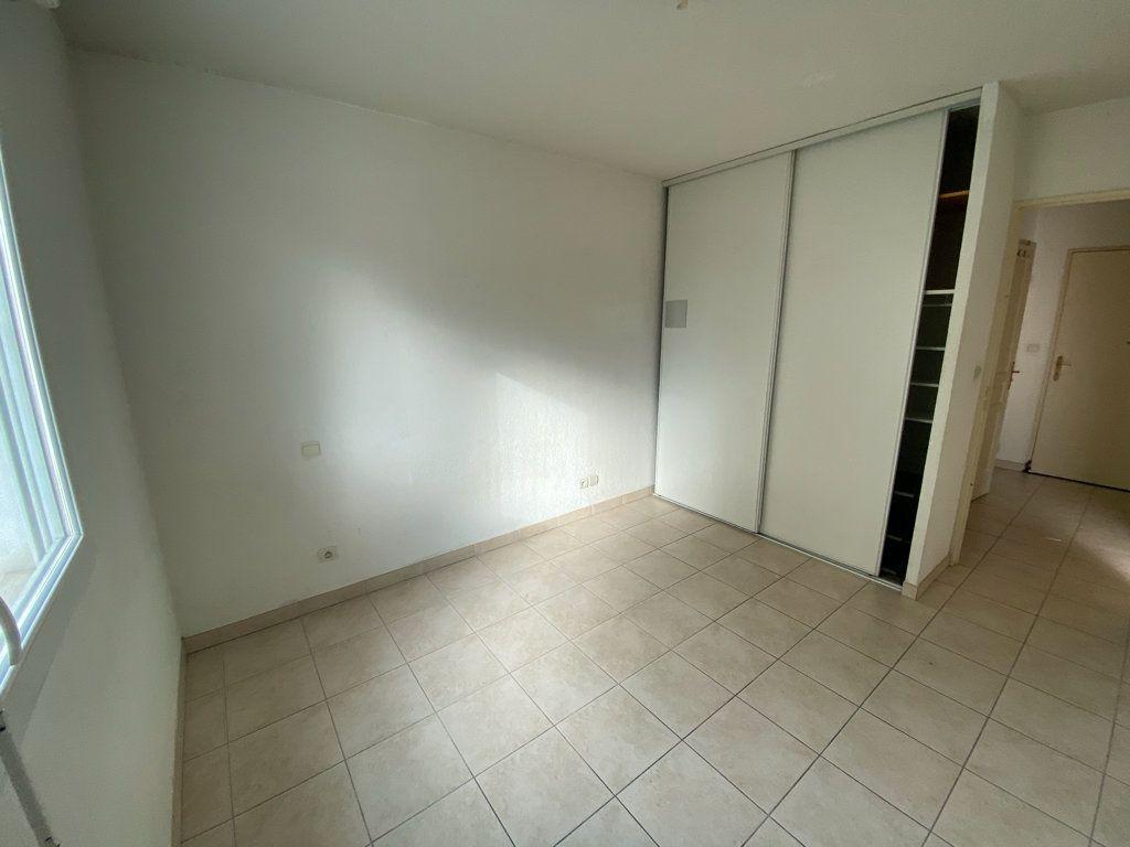 Appartement à vendre 2 37m2 à La Seyne-sur-Mer vignette-4