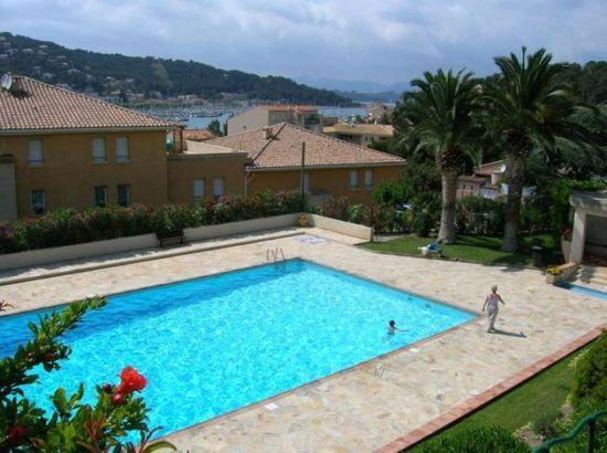 Appartement à vendre 2 55m2 à Saint-Mandrier-sur-Mer vignette-1