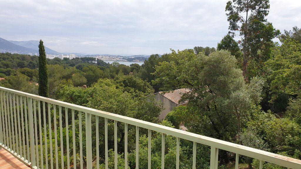 Appartement à vendre 5 95m2 à La Seyne-sur-Mer vignette-2