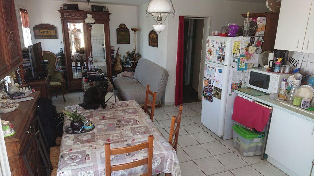 Appartement à vendre 4 75m2 à Saint-Mandrier-sur-Mer vignette-2