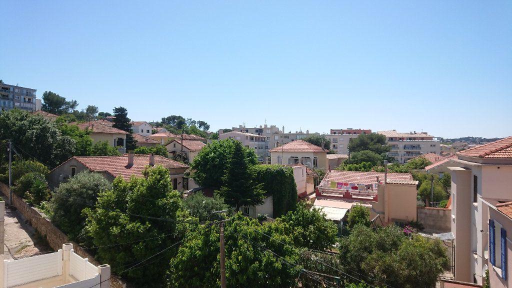 Appartement à vendre 2 46m2 à La Seyne-sur-Mer vignette-3