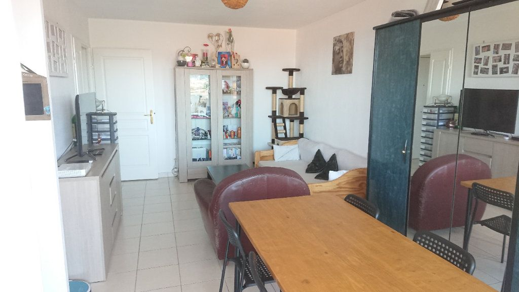 Appartement à vendre 2 46m2 à La Seyne-sur-Mer vignette-4