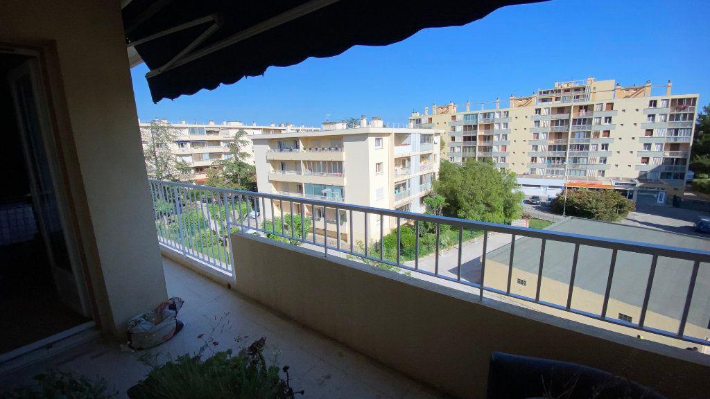 Appartement à vendre 3 56m2 à La Valette-du-Var vignette-2
